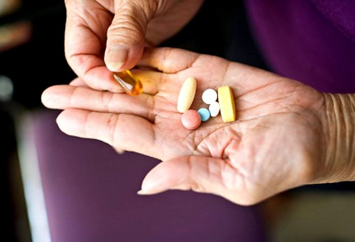 Nová pomůcka pro užívání léků - automatický dávkovač léků pomáhá správnému užívání léků