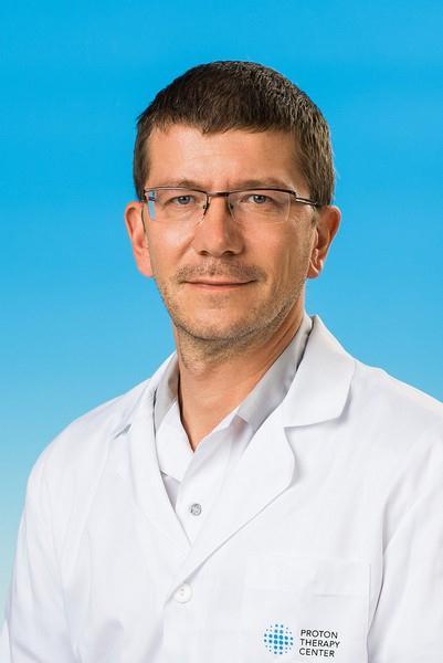 Hlavní lékař protonového centra v Praze, pan doktor Jiří Kubeš