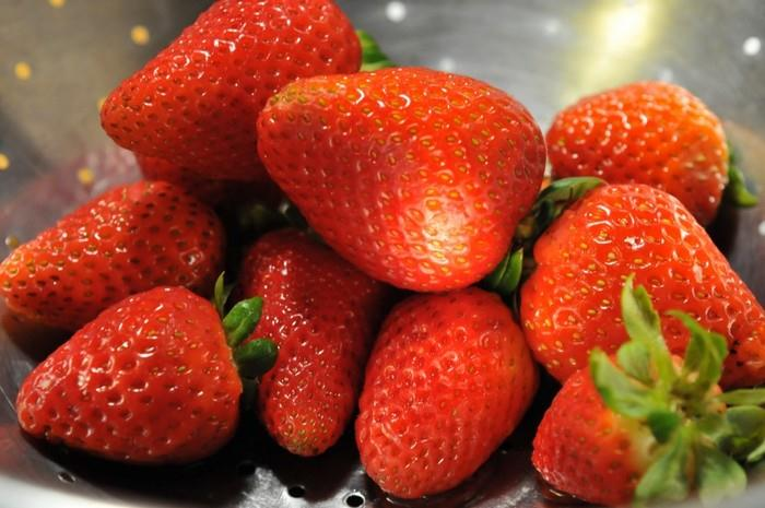 Vzhledem k vysokému obsahu vlákniny jahody příznivně ovlivňují zažívání
