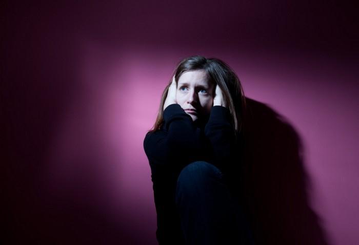 Žena kterou svírá úzkost