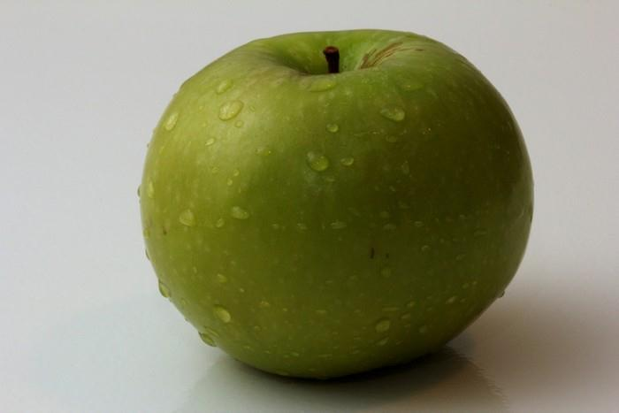 Jablko obsahuje quercetin, ktery ma protizanetlive ucinky
