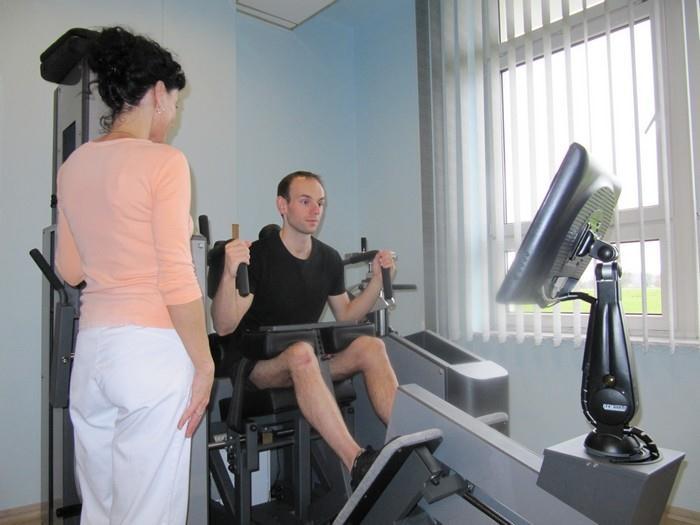 Terapeuti Vám pomohou cvičit správně