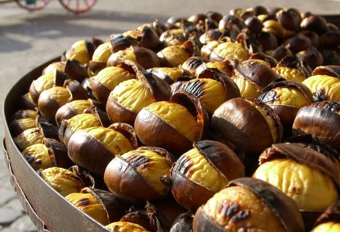 Bezlepková kaštanová mouka krásně voní a má nasládlou chuť