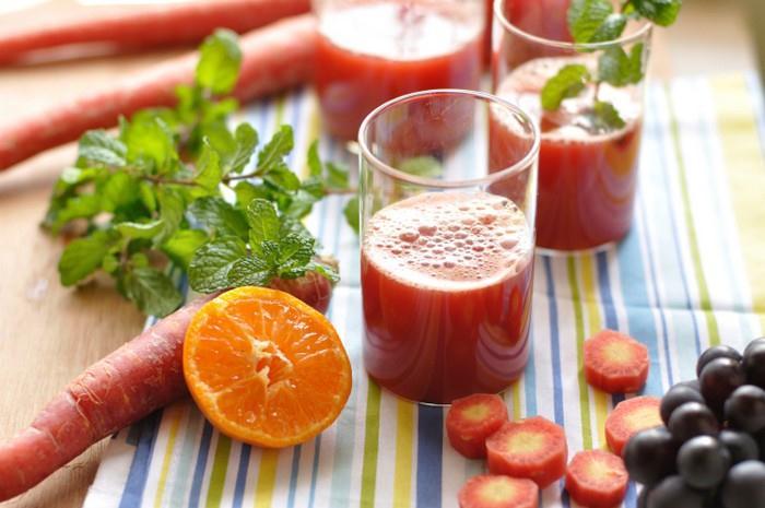 Ovocné a zeleninové šťávy detoxikují náš organismus